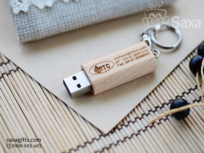 USB vỏ gỗ in logo móc khóa nắp rời màu vàng trắng
