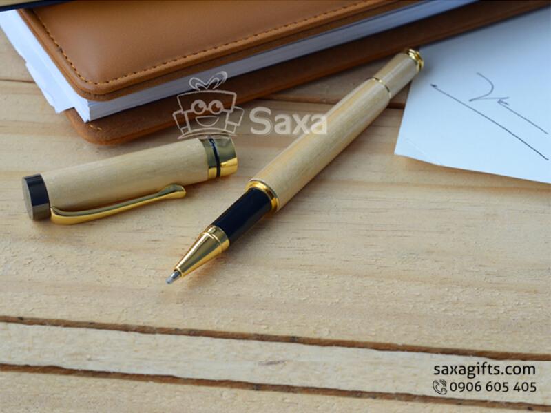 Bút ký gỗ in logo làm từ gỗ maple tự nhiên nắp rời