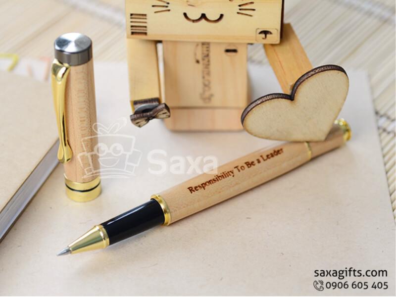 Bút ký gỗ thông nắp rời phối màu trang nhã