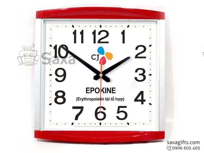 Đồng hồ treo tường in logo hình vuông viền đỏ 2 cạnh cong của EPOKINE