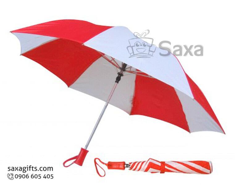 Dù cầm tay in logo gấp 3 có dây xách múi dù đỏ phối trắng