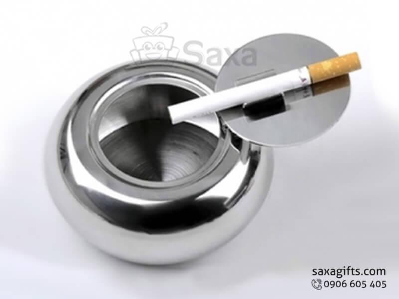 Gạt tàn thuốc in logo bằng inox có nắp đậy