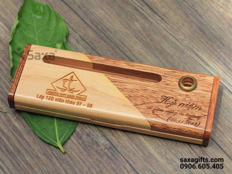 Bút ký gỗ in logo nắp xoay khắc logo theo yêu cầu