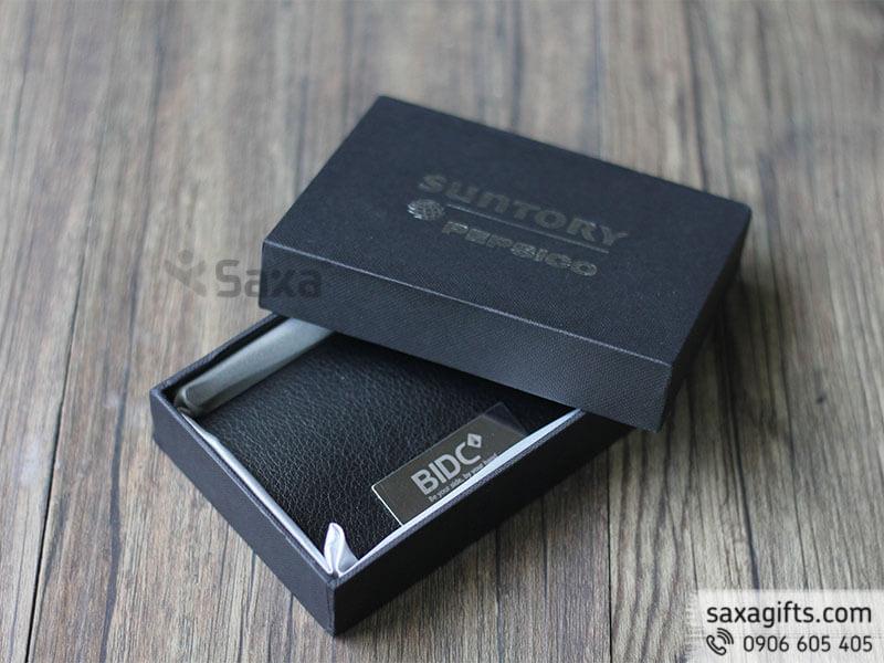 Hộp namecard da in logo nắp bật cut bầu phối kim loại