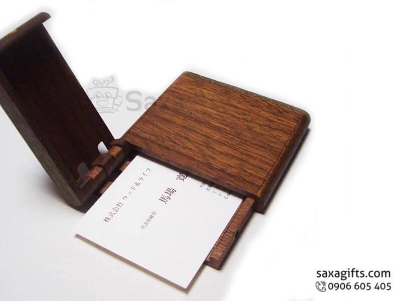 Hộp namecard gỗ in logo nắp bật 1/3 độc đáo