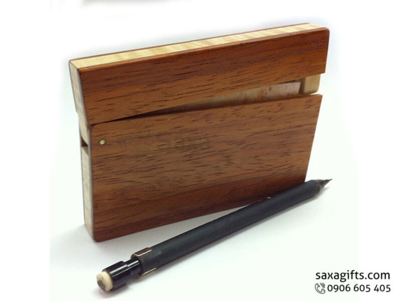 Hộp namecard gỗ kiểu nằm ngang nắp bật