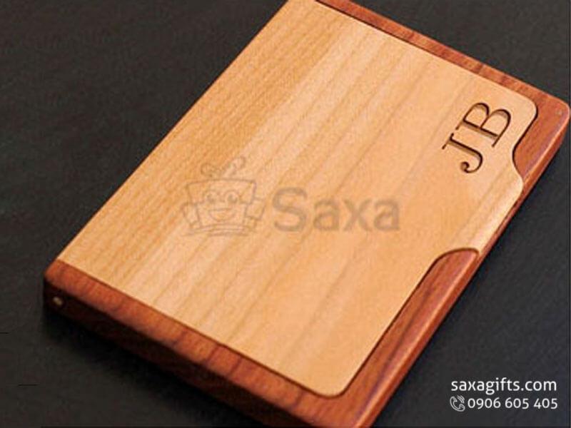 Hộp namecard gỗ in logo phối màu sang trọng