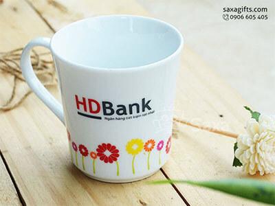 Ly sứ in logo HDBank hiệu Minh Long dáng hình phễu