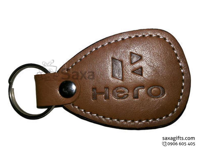 Móc khóa da in logo nâu bóng có nút bấm ở khoen
