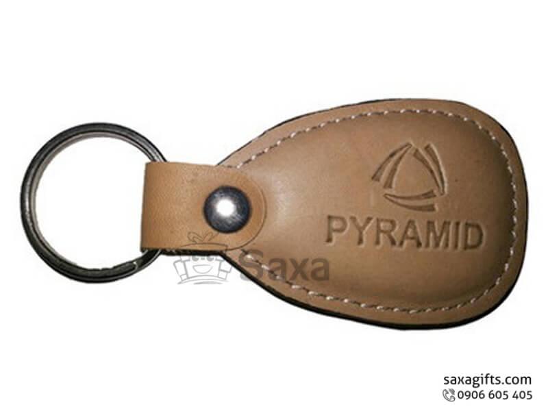 Móc khóa da in logo màu vàng nhạt của Pyramid