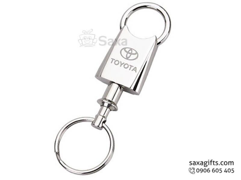 Móc khóa kim loại in logo hiệu Toyota