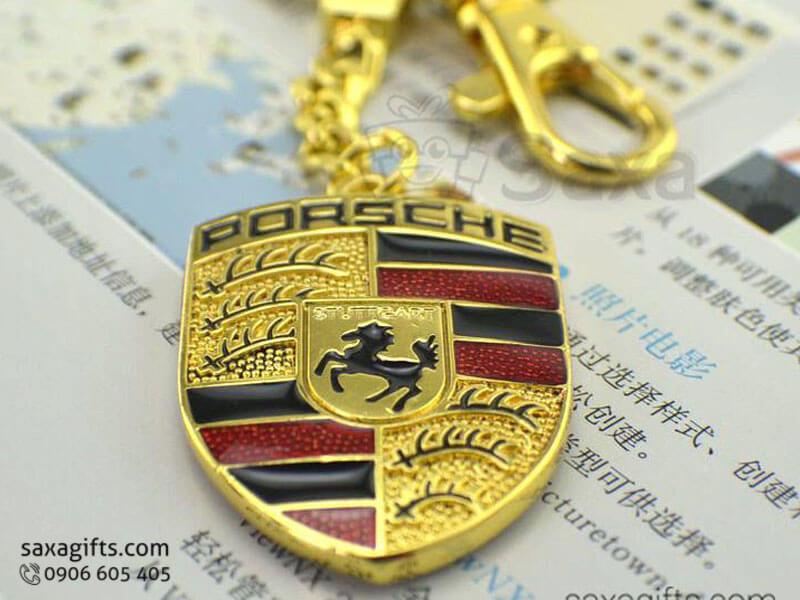Móc khóa kim loại in logo mạ vàng có móc xích độc đáo