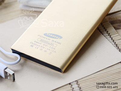 Pin sạc dự phòng in logo vỏ kim loại xi mờ màu vàng 6000 mAH