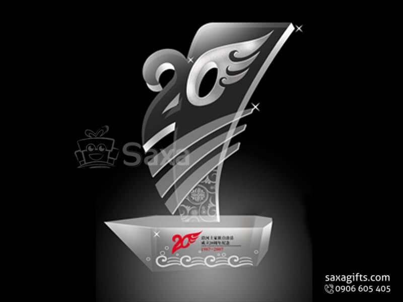 Kỷ niệm chương pha lê khắc logo hình con thiên nga đổ màu