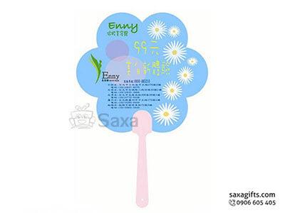 Quạt nhựa cầm tay in logo lá quạt hình bông hoa