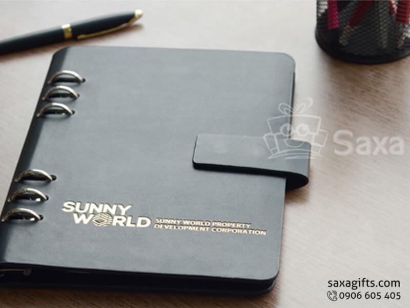 Sổ da bìa còng màu đen gân mịn để hở còng – SD013