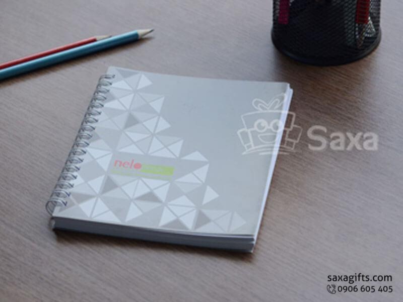 Sổ note lò xo in logo khổ A5 bìa giấy couche màu xám