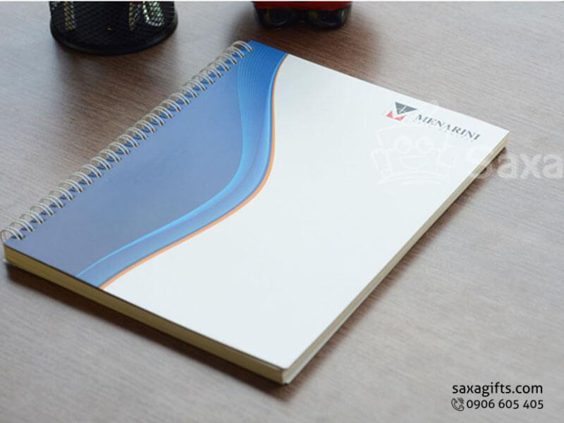 Sổ lò xo khổ A5 bìa giấy couche màu xanh phối trắng – SNL011