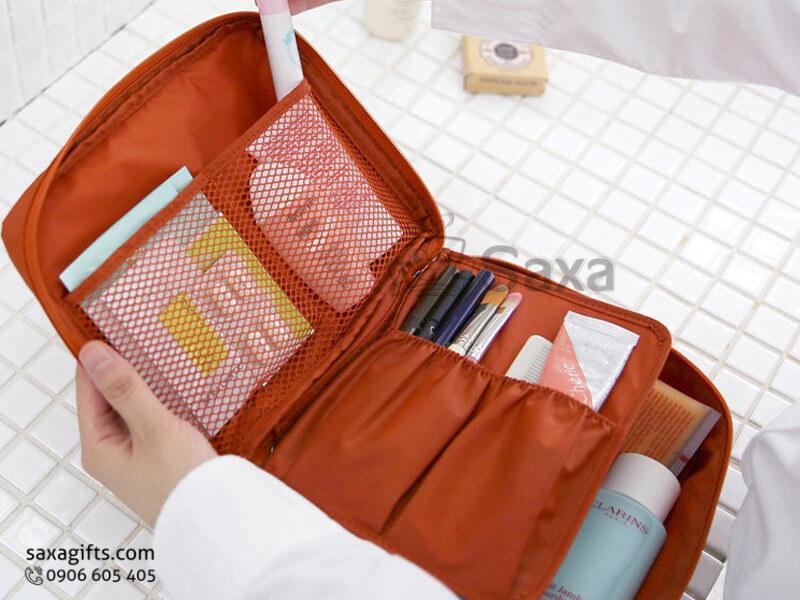 Túi vải dù in logo du lịch có nhiều ngăn