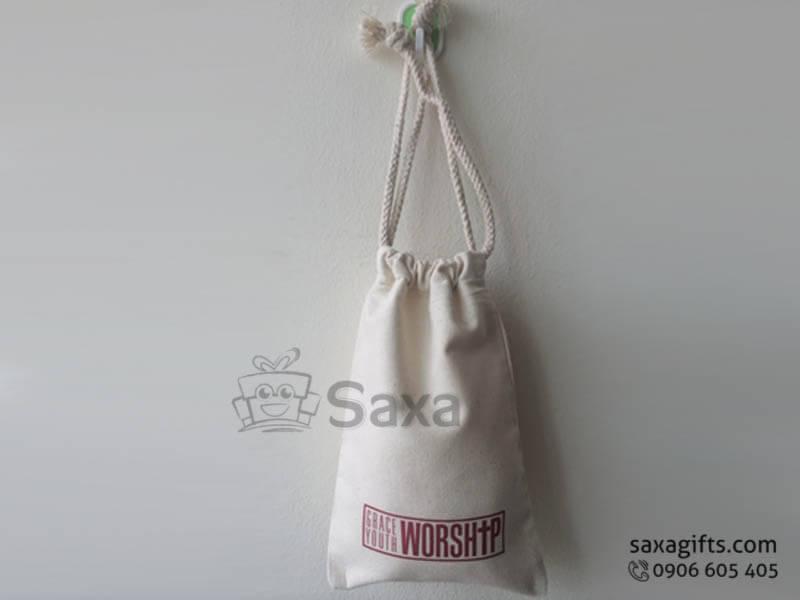Túi vải canvas in logo dạng balo dây rút tiện dụng