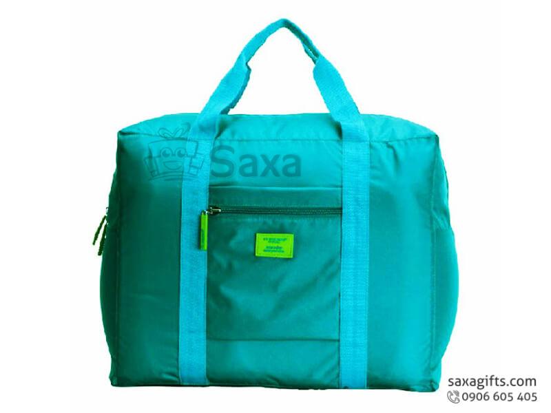 Túi du lịch in logo form chữ nhật quai chạy dọc thân túi