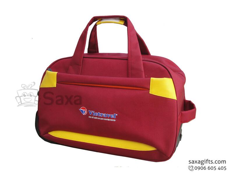 Túi du lịch in logo form hộp màu đỏ phối da vàng Vietravel