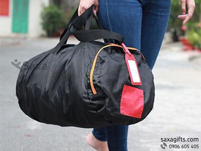 Túi du lịch in logo xếp gọn cao cấp màu đen