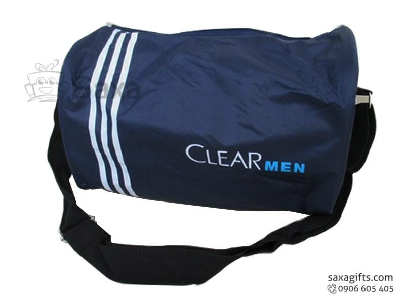 Túi du lịch in logo bằng vải dù phối 3 sọc trắng của Clear Men