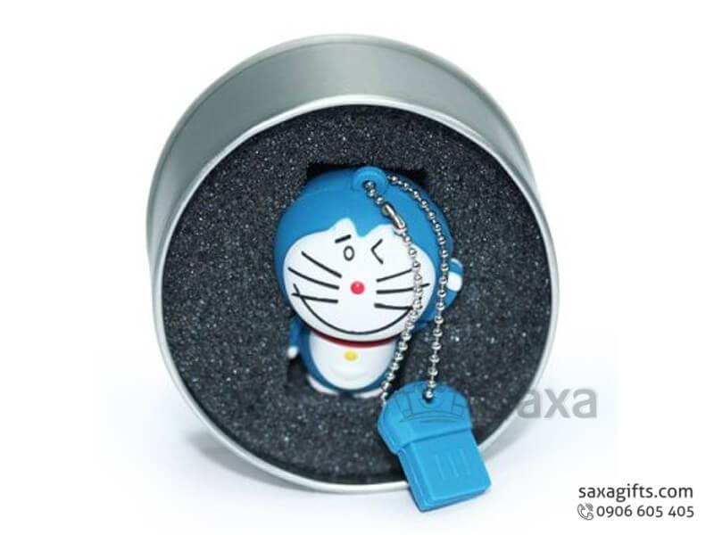 USB vỏ cao su làm theo mẫu 3D nắp rời hình Đô-rê-mon
