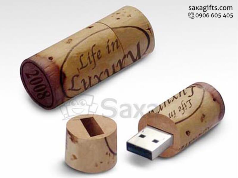 USB gỗ in logo nắp rời kiểu dáng nút bần