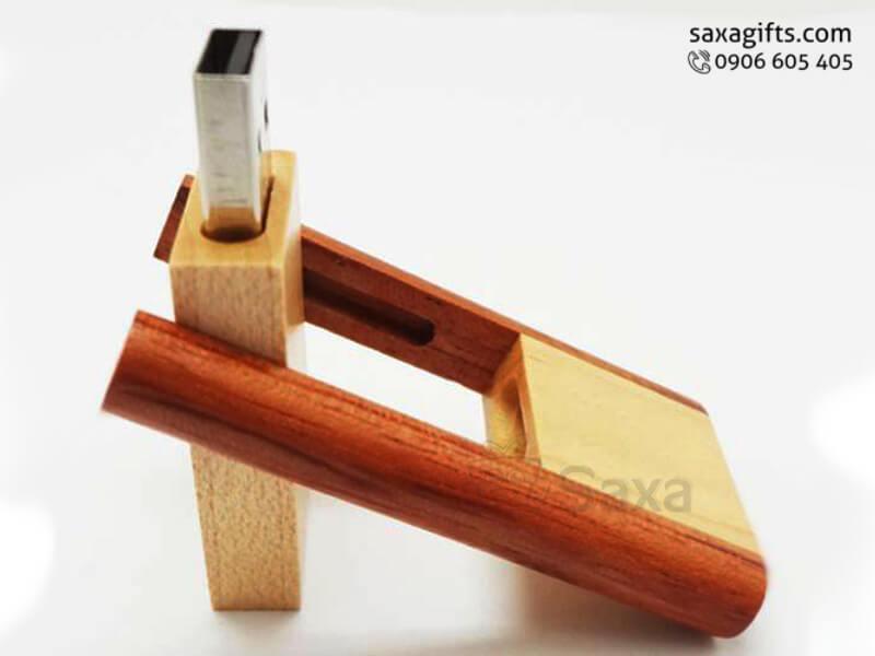 USB gỗ in logo xoay 360 độ dạng trượt