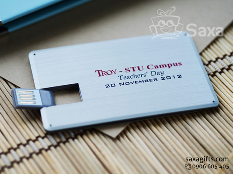 Usb thẻ kim loại in logo chip chống nước