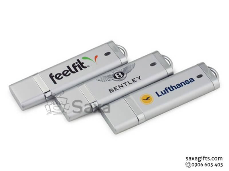 Usb nhựa in logo nắp rời có khoen móc khóa màu bạc