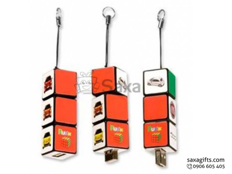 Usb nhựa in logo nắp rời mô hình 3 cục xí ngầu có dây móc