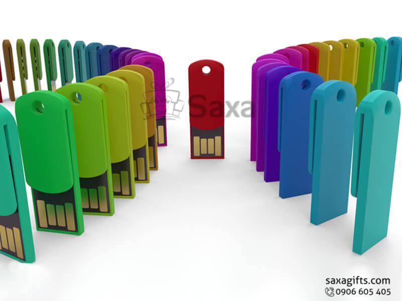 Usb nhựa in logo kiểu kẹp giấy nhiều màu chip chống thấm nước