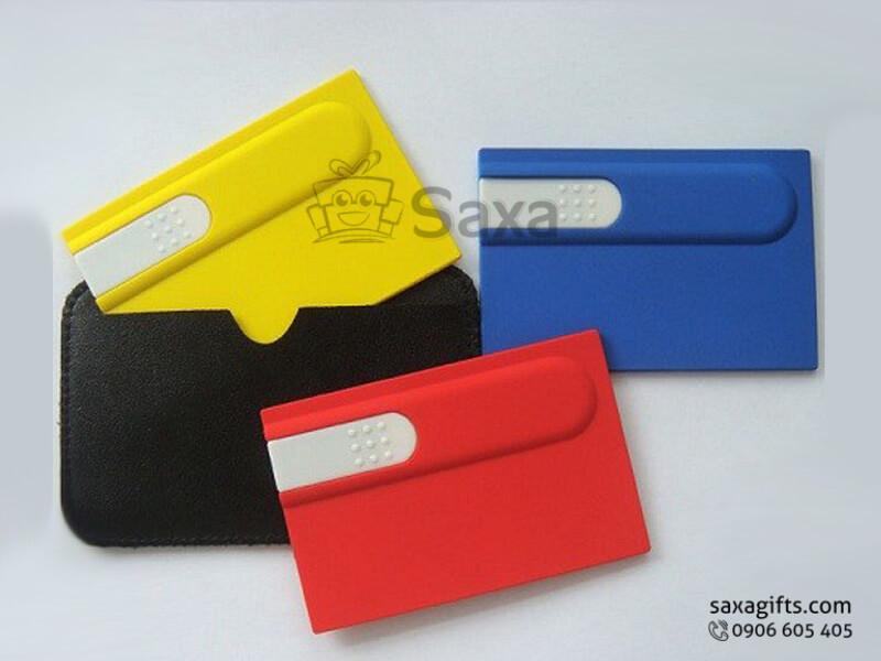 Usb thẻ nhựa in logo phối màu có ví da đi kèm sang trọng