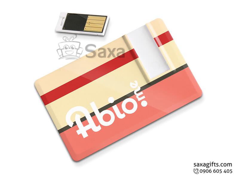 Usb thẻ nhựa in logo chip rời khi sử dụng