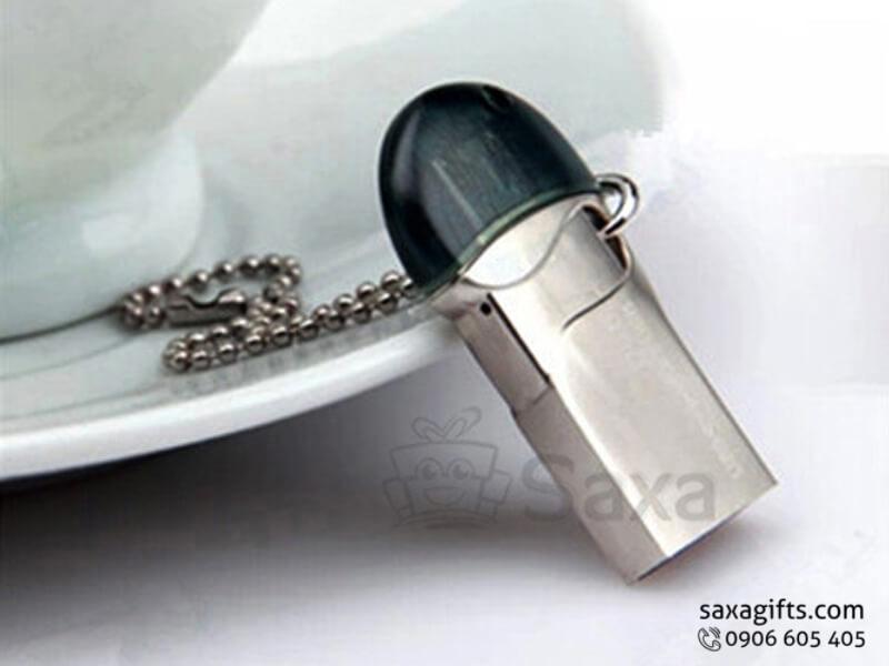 USB on to go nắp rời có móc khóa nhỏ gọn