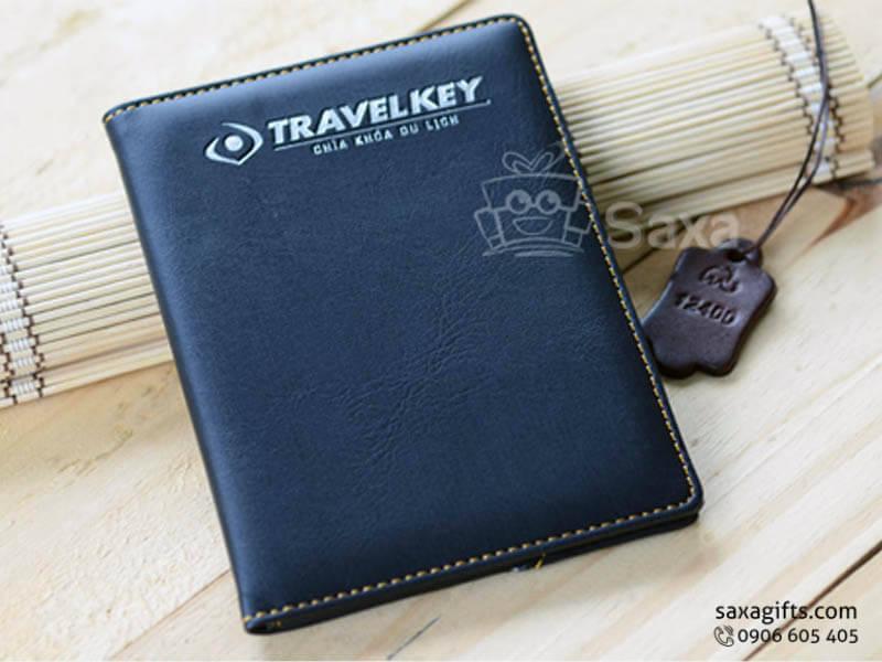 Ví passport in logo phối nhũ bạc nổi bật