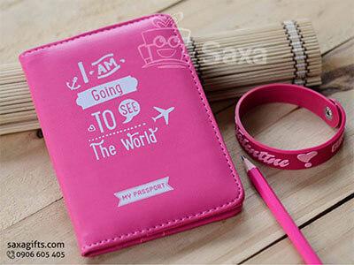 Ví passport in logo bằng simili màu hồng năng động