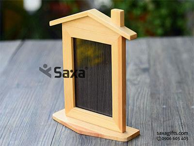 Khung ảnh gỗ để bàn bằng gỗ in logo mô hình ngôi nhà