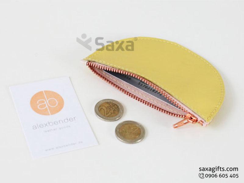 Ví da in logo đựng tiền xu – Kiểu ví cầm tay hình bán nguyệt