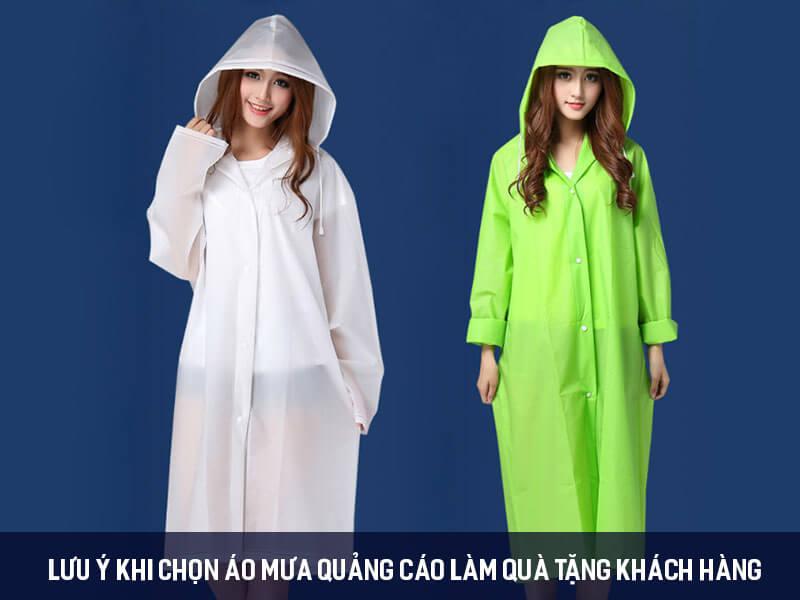 Lưu ý khi chọn áo mưa quảng cáo làm quà tặng khách hàng
