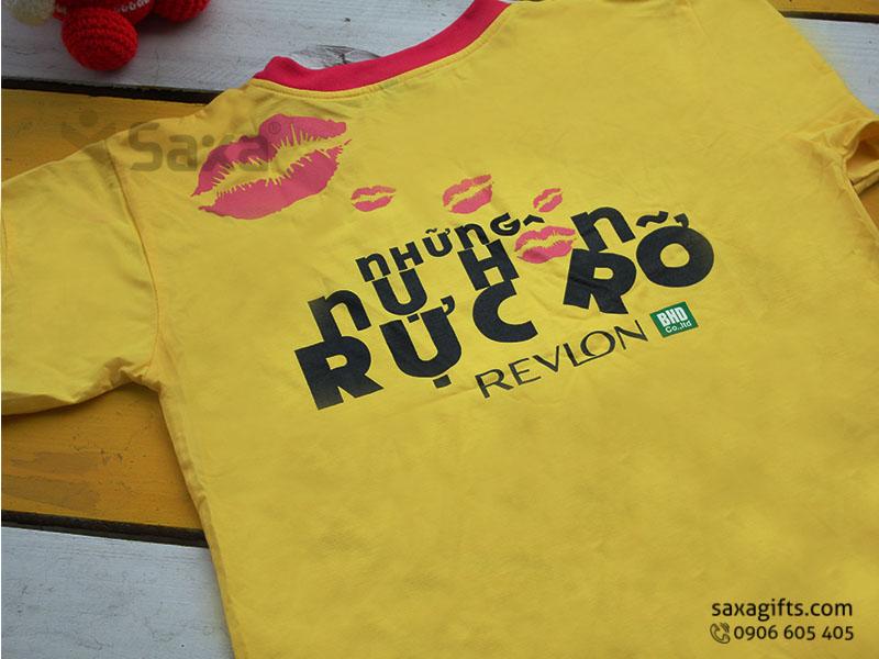 Áo thun quảng cáo in logo thương hiệu Revlon