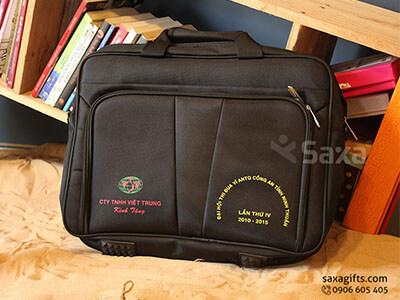 Túi laptop – Túi xách laptop quà tặng in logo Việt Trung có đế