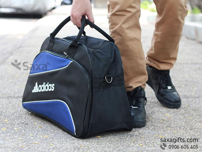 Túi du lịch quà tặng mẫu Adidas đen phối xanh