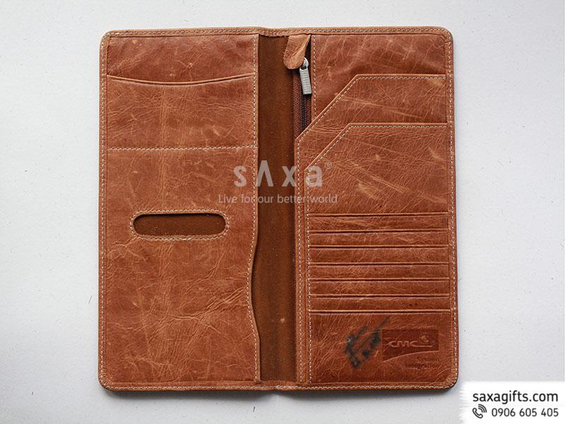 Ví passport da thật màu nâu dạng dài gấp 2 dập logo CMC bên trong