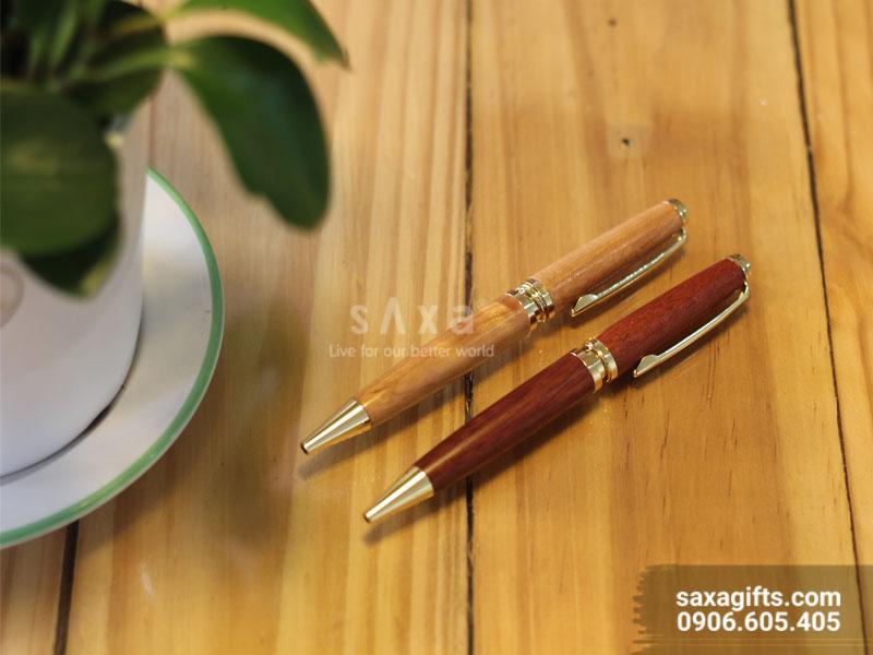 Bút gỗ nắp xoay đuôi bút phối kim loại
