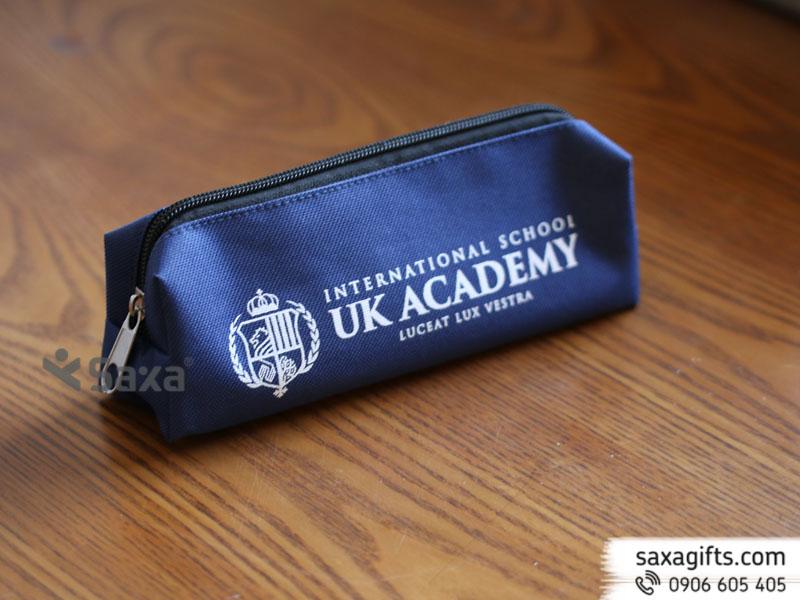 Bóp đựng viết bằng vải dù màu xanh đậm của UK Academy – Mẫu 1