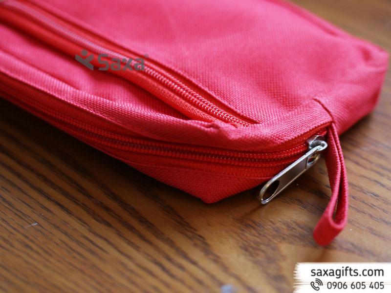 Bóp đựng viết bằng vải dù màu đỏ của AIA – Mẫu 2